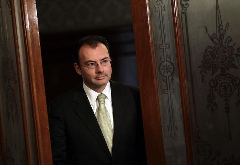 Mexico's Economy Finance Minister Luis Videgaray meets with Reuters at his office during the Reuters Latin America Investment Summit at the National Palace in Mexico City May 22, 2013. REUTERS/Henry Romero