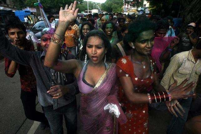 Transgenders attend a rally in Mumbai July 2, 2009.  REUTERS/Arko Datta/Files