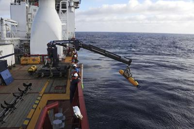 Undersea drone hunt for Malaysian plane may take two...