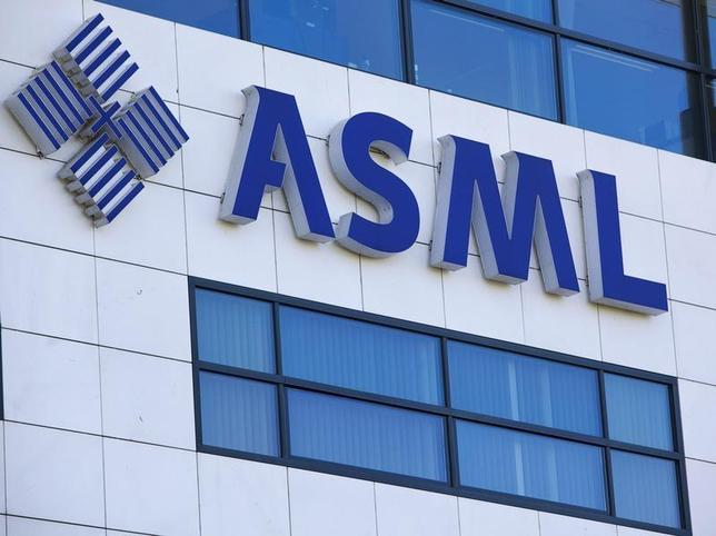 The company logo of Dutch chipmakers ASML is seen on the headquarters in Veldhoven, October 14, 2009. REUTERS/Michael Kooren