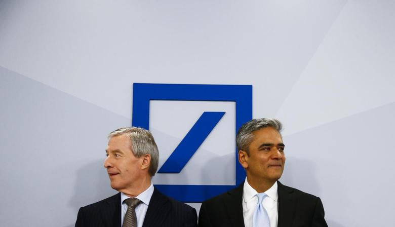 Anshu Jain (R) and Juergen Fitschen, Co-CEOs of Deutsche Bank AG arrive for the bank's annual news conference in Frankfurt, January 29, 2014. REUTERS/Ralph Orlowski