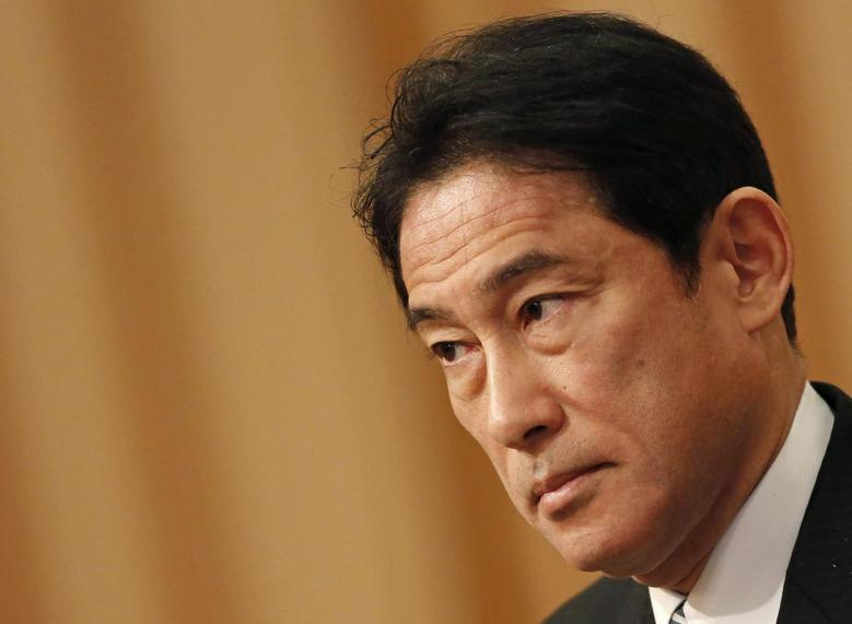 Japan's Foreign Minister Fumio Kishida listens to questions from a participant during a seminar in Tokyo January 17, 2014.REUTERS/Yuya Shino
