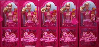 Muñecas Barbie, Berlín, mayo 15, 2013. Mattel Inc, el principal fabricante de juguetes del mundo, registró pérdidas netas para el primer trimestre debido a una caída en las ventas de sus icónicas muñecas Barbie y de los Fisher-Price para preescolares. REUTERS/Fabrizio Bensch