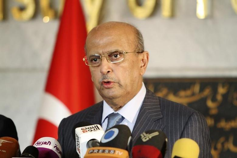 Yemeni Foreign Minister Abu Bakr al-Qirbi speaks to reporters during a news conference with Turkish Foreign Minister Ahmet Davutoglu (not pictured) in Sanaa October 20, 2012. REUTERS/Mohamed al-Sayaghi