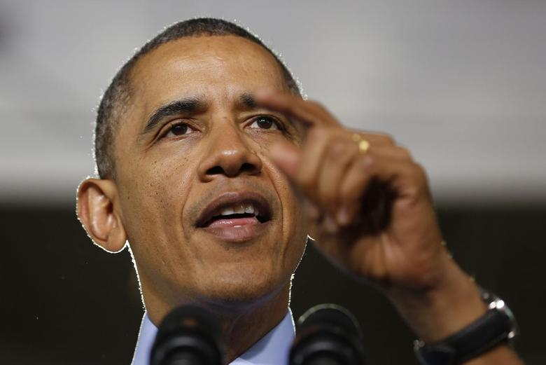 U.S. President Barack Obama speaks after touring the Community College of Allegheny West Hills Center in Oakdale, Pennsylvania, April 16, 2014. REUTERS/Larry Downing