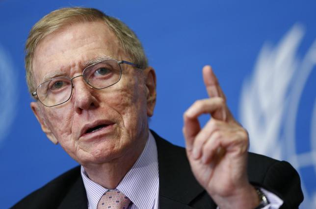Michael Kirby, Chairperson of the Commission of Inquiry on Human Rights in North Korea, gestures during a news conference at the United Nations in Geneva March 17, 2014. REUTERS/Denis Balibouse