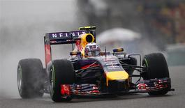 Red Bull Formula One driver Daniel Ricciardo of Australia drives during the third practice session of the Chinese F1 Grand Prix at the Shanghai International circuit, April 19, 2014. REUTERS/Carlos Barria