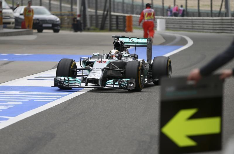 Hamilton amazed by chequered flag blunder