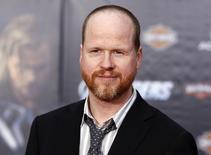 """Joss Whedon durante el estreno mundial de """"The Avengers"""", Hollywood, California, abr 11, 2012. El director de """"Los vengadores"""" Joss Whedon ha sacado online su última película, """"In Your Eyes"""", coincidiendo con el estreno en el Festival de Cine Tribeca el domingo, sumándose a los numerosos cineastas que están experimentando con la distribución digital directa al consumidor. REUTERS/Danny Moloshok"""