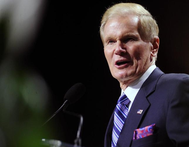 U.S. Senator Bill Nelson (D-FL) speaks to the 2013 National Association for the Advancement of Colored People (NAACP) convention in Orlando, Florida July 15, 2013. REUTERS/David Manning