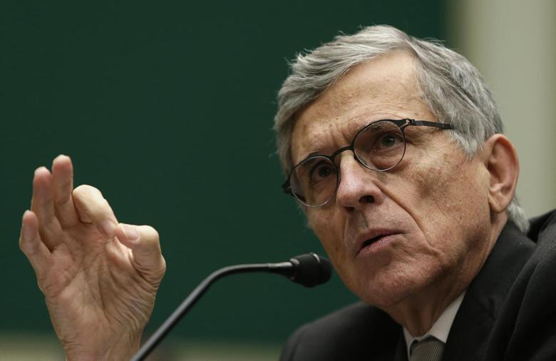 U.S. FCC Chairman Tom Wheeler testifies before the House Communications and Technology panel on Capitol Hill in Washington December 12, 2013. REUTERS/Gary Cameron