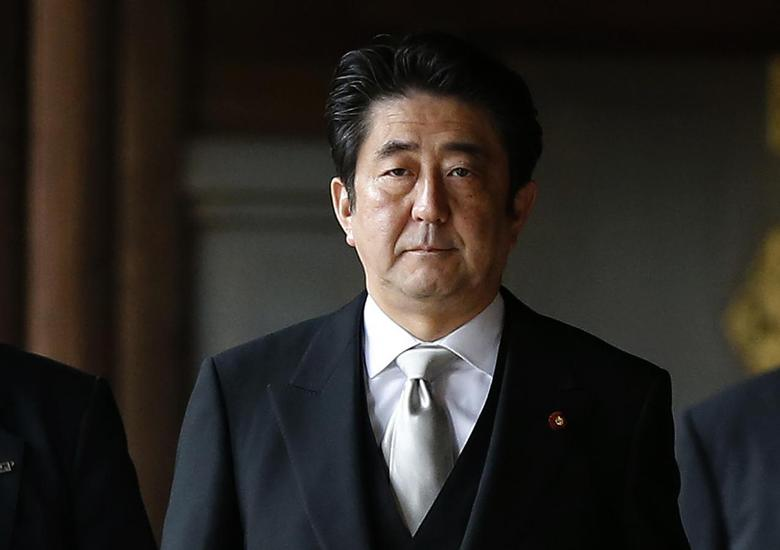 Japan's Prime Minister Shinzo Abe visits Yasukuni shrine in Tokyo December 26, 2013. REUTERS/Toru Hanai