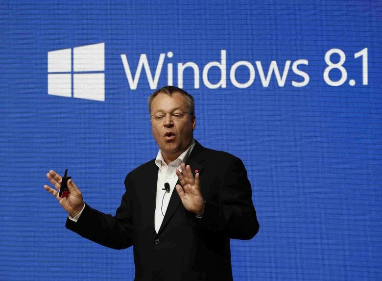 Nokia's Chief Executive Stephen Elop gestures during a presentation at the Mobile World Congress in Barcelona February 24, 2014. REUTERS/Gustau Nacarino