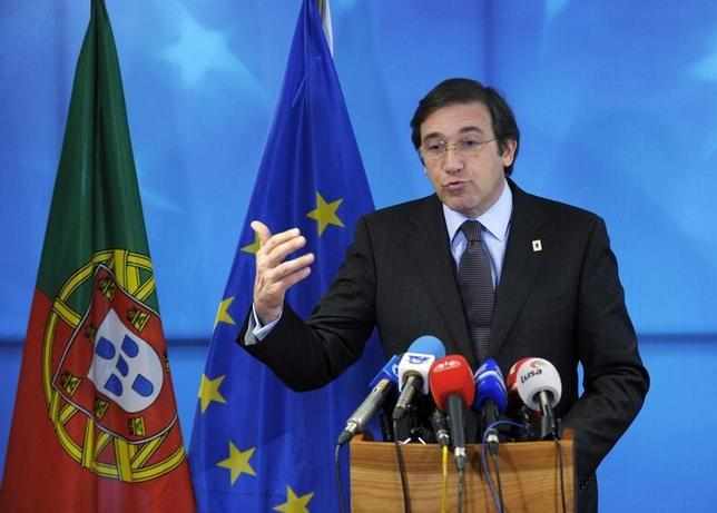 Portugal's Prime Minister Pedro Passos Coelho holds a news conference at an European Union leaders summit in Brussels March 21, 2014. REUTERS/Laurent Dubrule