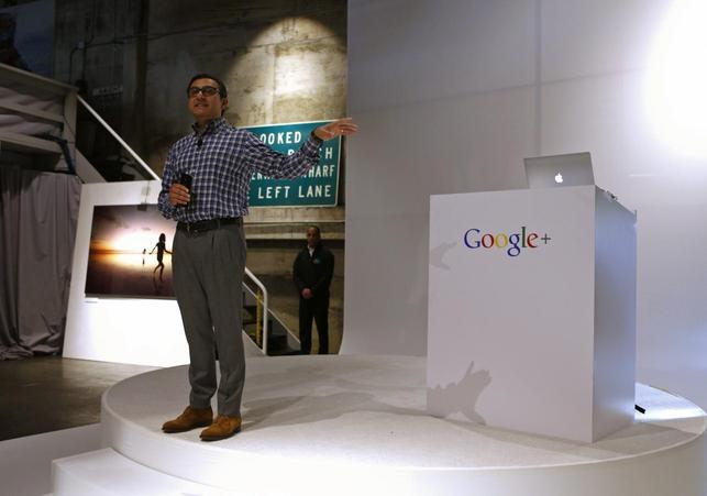 Senior Vice President of Engineering at Google Vic Gundotra explains that a generator has been delivered to supplement the power loss in the building, before a Google event in San Francisco, California, October 29, 2013. REUTERS/Beck Diefenbach