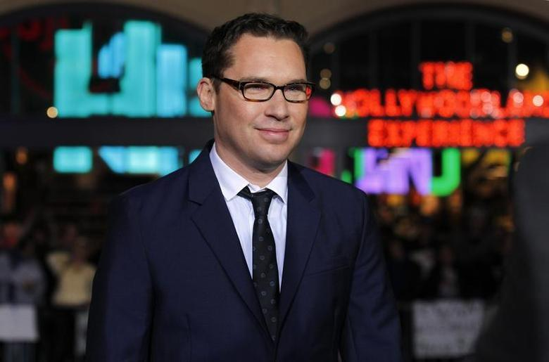 Director of the movie Bryan Singer poses at the premiere of ''Jack the Giant Slayer'' in Hollywood, California February 26, 2013. REUTERS/Mario Anzuoni