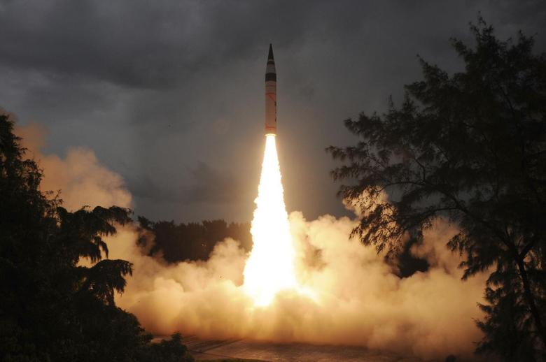 A surface-to-surface Agni-V missile is launched from the Wheeler Island off the eastern Indian state of Odisha September 15, 2013. REUTERS/Indian Defence Research and Development Organisation/Handout