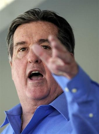 United Auto Workers Region 9 Director Joe Ashton makes a point to the audience during a ''Save America Rally'' at the Delphi Plant in Lockport, New York, May 20, 2009. REUTERS/Gary Wiepert