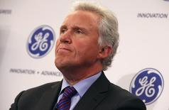 Jeff Immelt, Chairman and CEO of General Electric appears at a news conference announcing the Head Health Initiative along with the National Football League (NFL), in New York March 11, 2013. REUTERS/Mike Segar