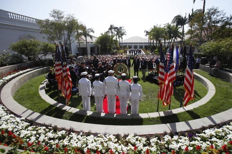 A wreath is laid on honor of Former President Richard Nixon during the 40th anniversary of the homecoming of Vietnam POWs at Richard Nixon Presidential Library and Museum in Yorba Linda, California May 23, 2013. REUTERS/Mario Anzuoni