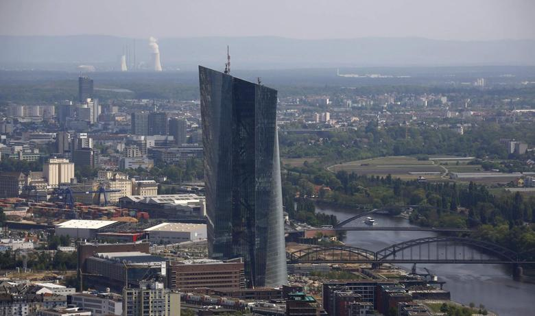 The construction site of the new headquarters of the European Central Bank (ECB) is seen from the observation deck of the ''Maintower'' in Frankfurt, April 25, 2014. REUTERS/Kai Pfaffenbach