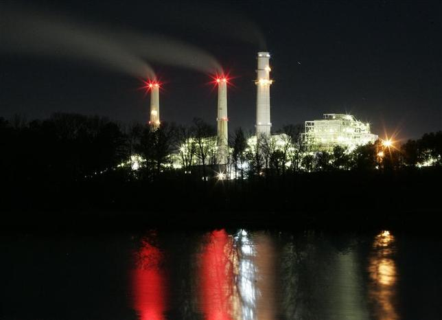 The TXU Monticello Steam Electric Station power plant near Mt. Pleasant, Texas in this February 26, 2007 file photo. REUTERS/Mike Stone/files
