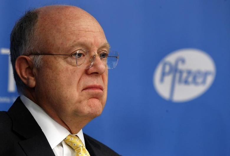 Ian Read, chief executive officer of Pfizer, addresses a news conference in New York November 5, 2013. REUTERS/Adam Hunger