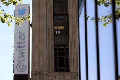 Twitter disappoints again on user growth and views;...