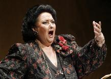 A soprano espanhola Montserrat Caballé se apresenta em Santander, no norte da Espanha, em dezembro de 2006. 09/12/2006 REUTERS/Victor Fraile