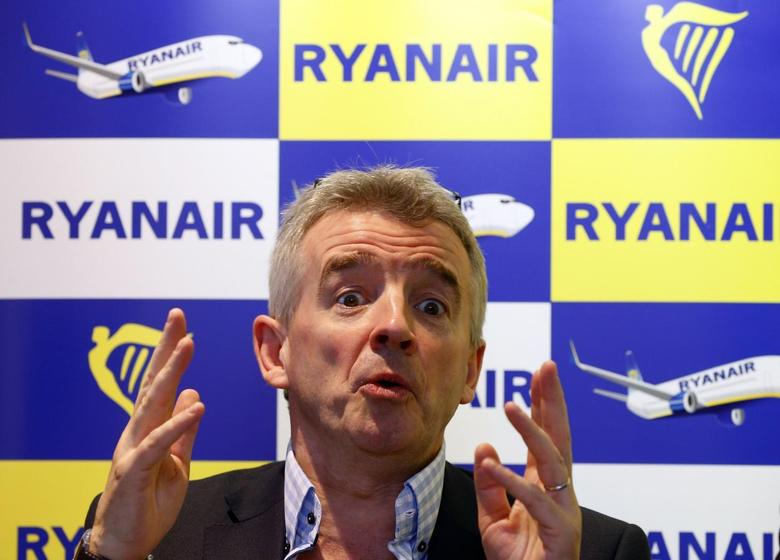 Ryanair Chief Executive Officer Michael O'Leary gestures during a news conference in Brussels January 22, 2014. REUTERS/Yves Herman