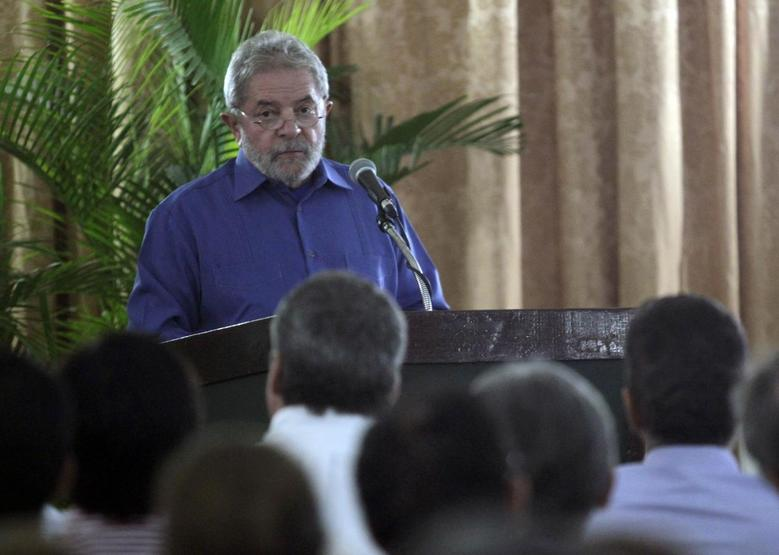Brazil's former president Luiz Inacio Lula da Silva addresses the audience during a meeting with the Cuban business community in Havana February 26, 2014. REUTERS/Enrique De La Osa