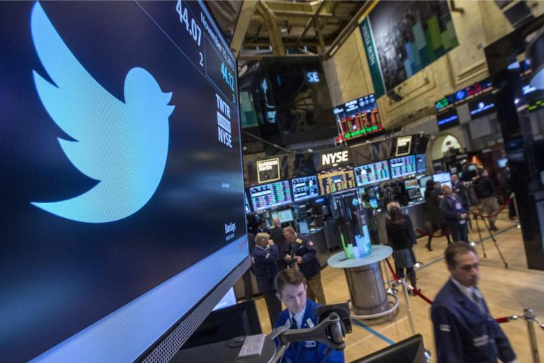 The Twitter symbol is displayed at the post where the stock is traded on the floor of the New York Stock Exchange, November 15, 2013. REUTERS/Brendan McDermid