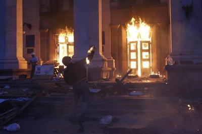Dozens die in Odessa, rebels down Ukraine helicopters