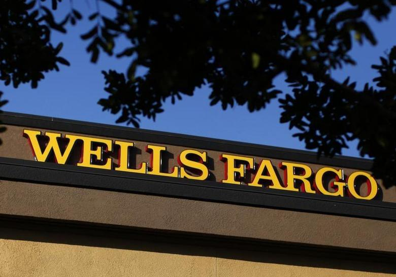 A Wells Fargo bank is seen in Del Mar, California January 17, 2012. REUTERS/Mike Blake