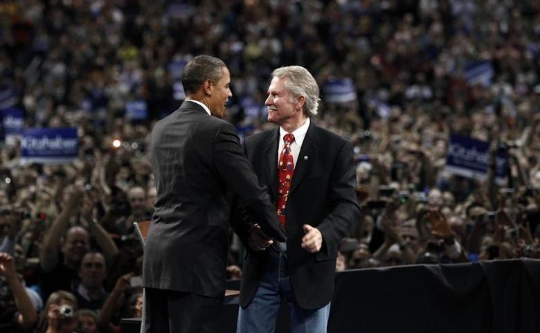 U.S. President Barack Obama attends a rally for gubernatorial candidate John Kitzhaber (R) in Portland, Oregon in this file October 20, 2010 photo. REUTERS/Kevin Lamarque