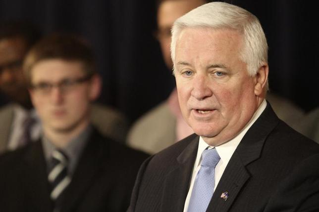 Pennsylvania Governor Tom Corbett speaks at a news conference in State College, Pennsylvania January 2, 2013. REUTERS/Craig Houtz
