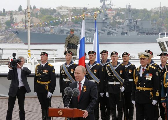 Russian President Vladimir Putin makes a speech during events marking Victory Day, in Sevastopol May 9, 2014. REUTERS/Maxim Shemetov