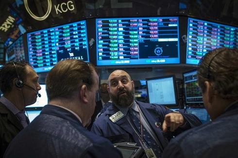 Dow ends at record high; Apple drags on S&P 500, Nasdaq