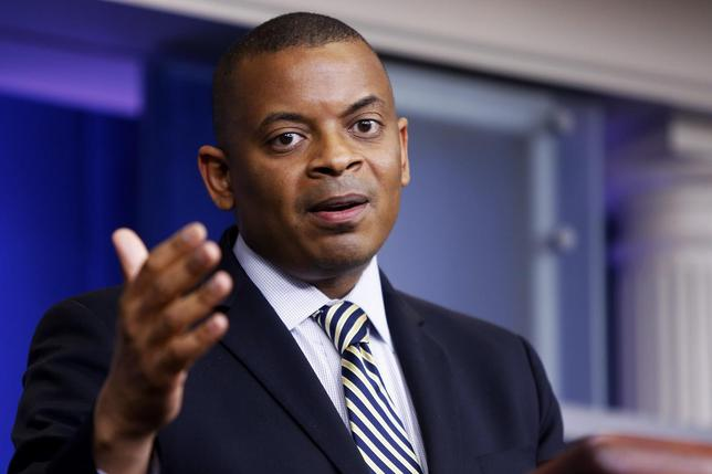 U.S. Transportation Secretary Anthony Foxx addresses reporters during the daily press briefing at the White House in Washington May 12, 2014. REUTERS/Jonathan Ernst