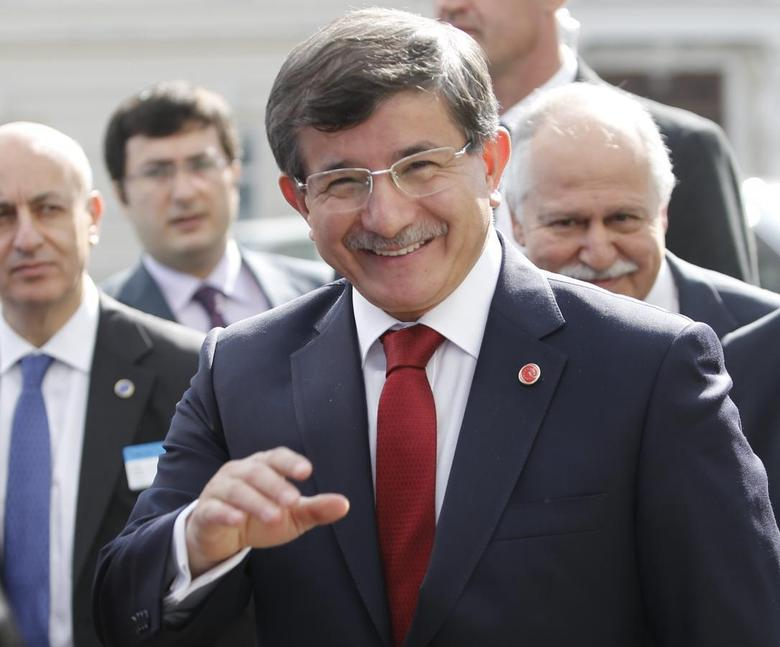 Turkish Foreign Minister Ahmet Davutoglu arrives for a Council of Europe meeting in Vienna May 6, 2014. REUTERS/Leonhard Foeger