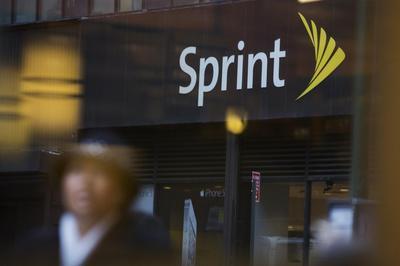 U.S. telecom regulators divided on Sprint, T-Mobile...