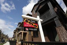 Casas vendidas en el área suroeste de Portland, Oregon, mar 20, 2014. Los inicios de construcciones de casas de Estados Unidos aumentaron en abril y los permisos de construcción vieron su mayor nivel en casi seis años, ofreciendo esperanzas de que el golpeado mercado inmobiliario podría encontrarse en una fase de estabilización. REUTERS/Steve Dipaola