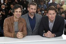 "(L-R) Cast members Mark Ruffalo, Steve Carell and Channing Tatum pose during a photocall for the film ""Foxcatcher"" in competition at the 67th Cannes Film Festival in Cannes May 19, 2014.  REUTERS/Benoit Tessier"