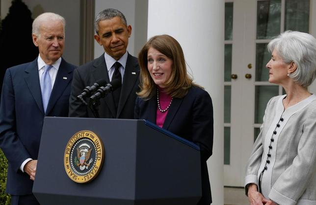 U.S. President Barack Obama (2nd L) listens after announcing Director of the Office of Management and Budget Sylvia Mathews Burwell (2nd R) as his nominee to replace outgoing U.S. Secretary of Health and Human Services Kathleen Sebelius (R), during a ceremony in the Rose Garden of the White House in Washington, April 11, 2014. REUTERS/Larry Downing