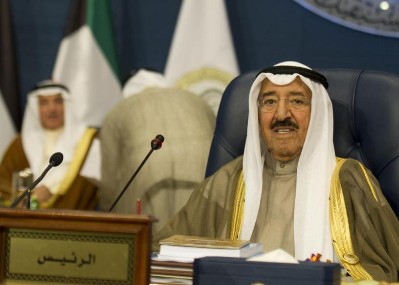 Kuwait's Emir Sheikh Sabah al-Ahmed al-Sabah opens the 25th Arab League Summit in Bayan Palace, Kuwait March 25, 2014. REUTERS/Stephanie McGehee