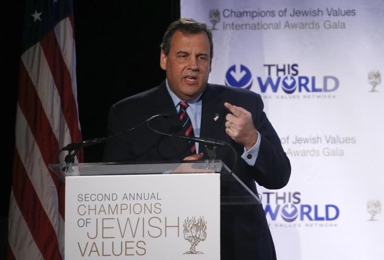 New Jersey Governor Chris Christie addresses the second Annual Champions of Jewish Values International Awards Gala in New York, May 18, 2014. REUTERS/Mike Segar