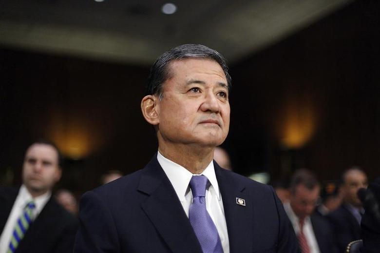 U.S. Department of Veterans Affairs Secretary Eric Shinseki takes his seat to testify before a Senate Veterans Affairs Committee hearing on VA health care, on Capitol Hill in Washington May 15, 2014. REUTERS/Jonathan Ernst