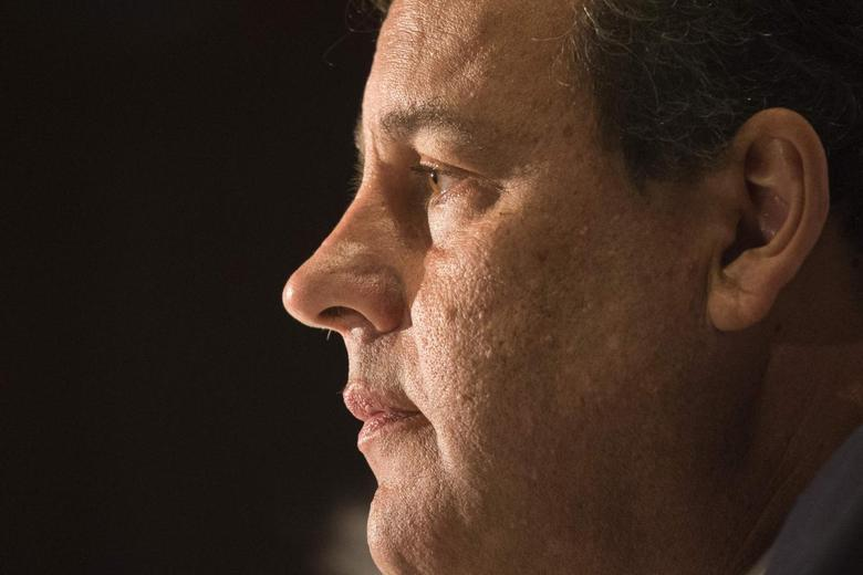 New Jersey Governor Chris Christie is photographed during a news conference ahead of the Republican Governors Association meeting in Manhattan, New York May 21, 2014. REUTERS/Adrees Latif