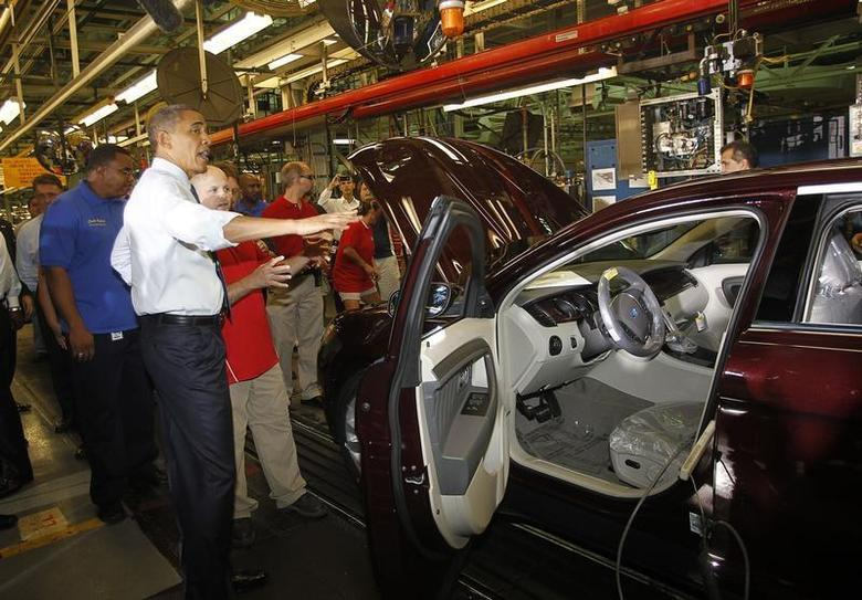 U.S. President Barack Obama tours the Ford Motor Company Chicago Assembly Plant August 5, 2010. REUTERS/Jason Reed