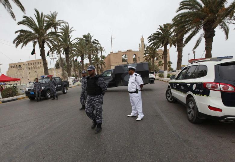 Police provide security in Tripoli May 23, 2014. REUTERS/Ismail Zitouny